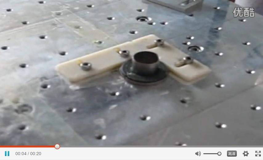 桌面式自动点胶机之汽车密封件管接头油脂点胶自动点胶机视频